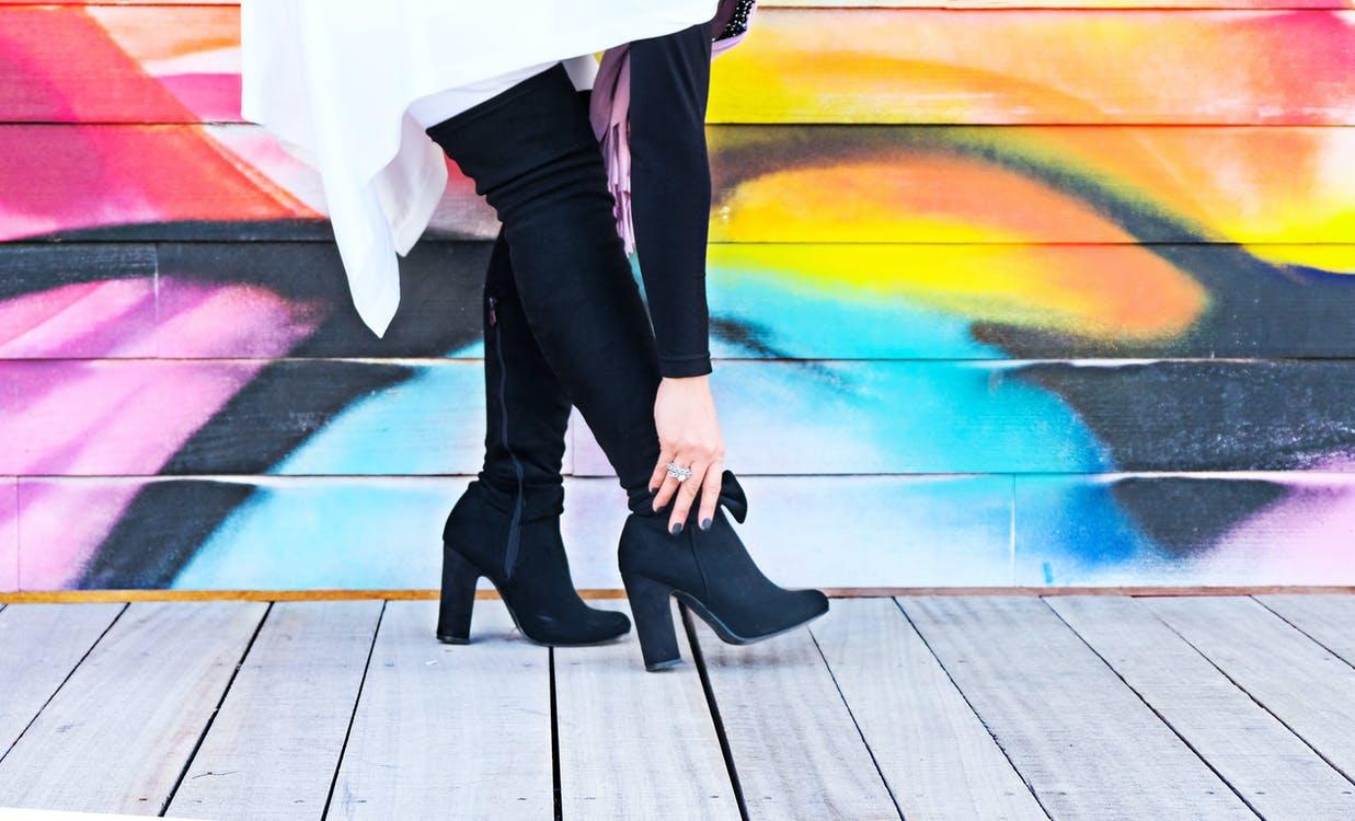 Kvinde i støvler