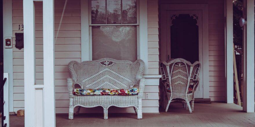 Havemøbler på terrasse